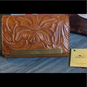 NWT Patricia Nash Cametti Leather Wallet
